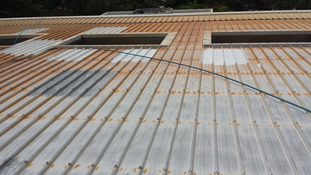 Spry painting all the roof and part of intenal and external of the building, project complited 2014, Parlamient house of NT, Darwin...